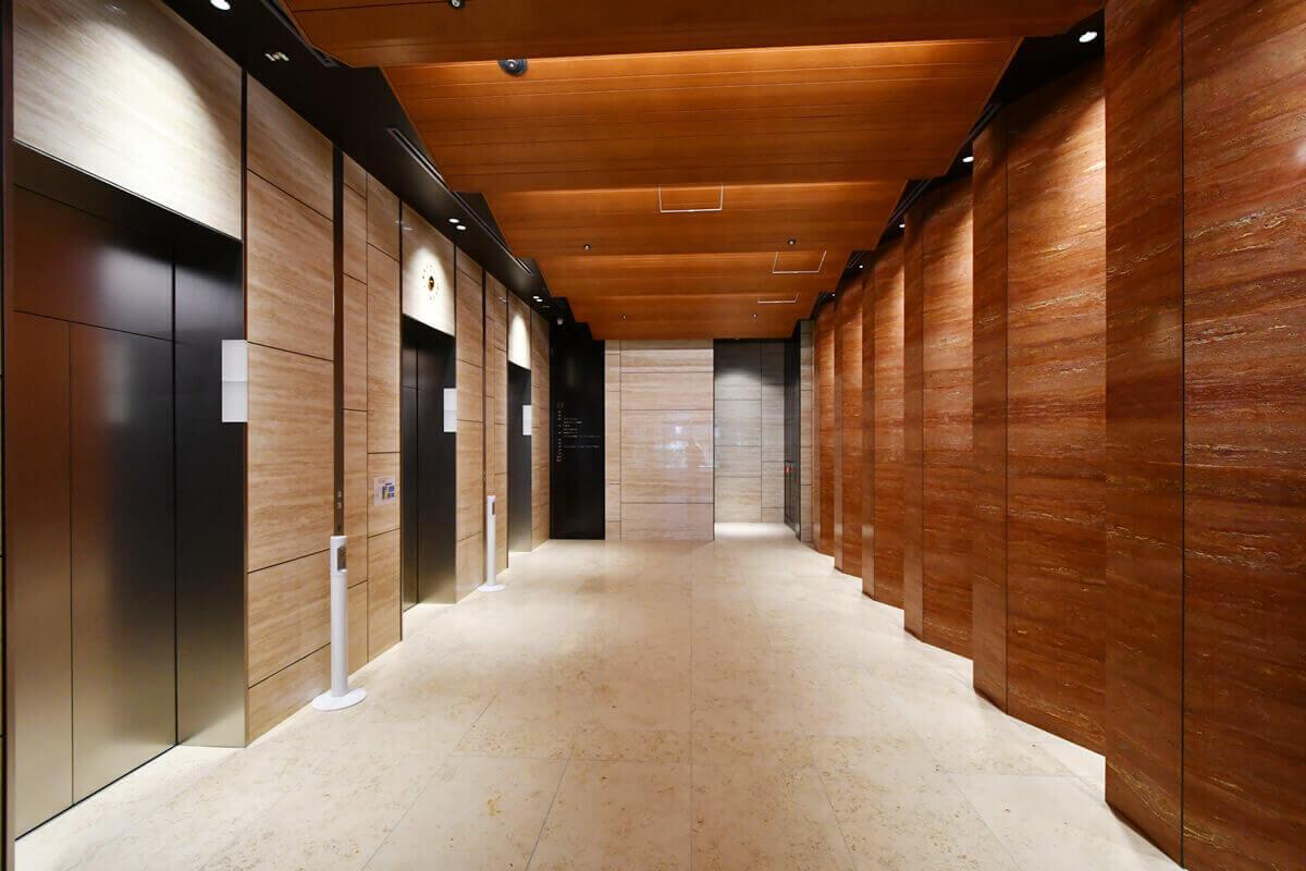 1階のエレベータホール